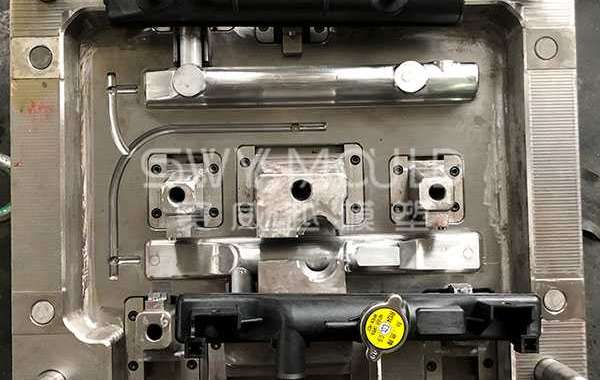 Causes Of High Temperature In Auto Radiator Tank Plastic Mould
