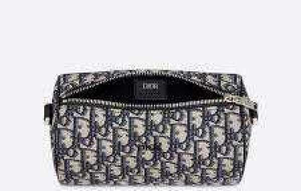 Rewards of shopping for Designer Diaper Baggage